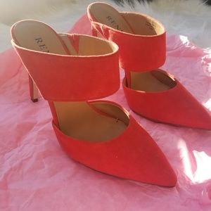 Renvy Red Pumps Mules